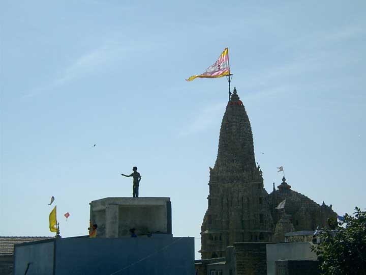 Dwarka-Makursunkranti-Boy-Temple